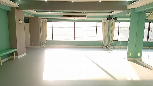 窓 京王線 仙川駅 舞仙 調布市 レンタルスタジオ レンタルスペース 貸スタジオ