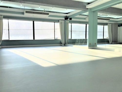 調布市仙川駅にある ヨガ レッスンができるレンタルスタジオ